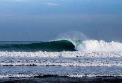ayampe barrel wave photo